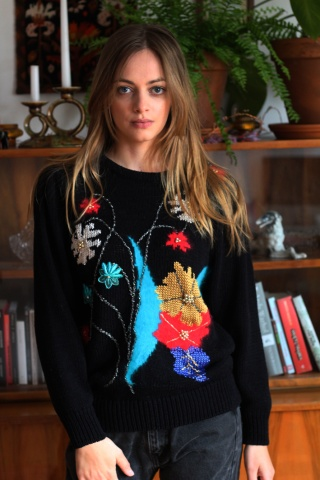 Vintage czarny sweterek z...