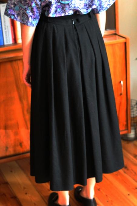 Vintage czarna wełniana...