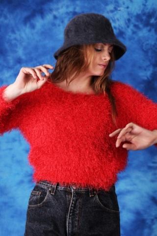 Vintage czerwony włochaty...