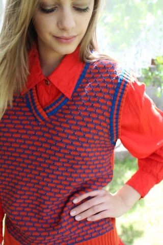 Vintage czerwono-niebieska...