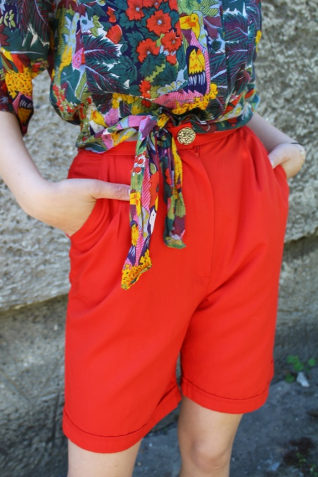 Vintage czerwone szorty...