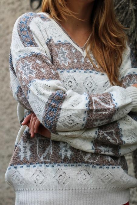 Vintage warm patterned...