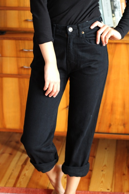Vintage black mom jeans 90s...